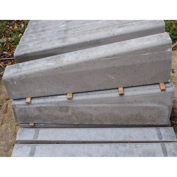 125 x 255/150 x 915mm Half Battered Right Hand Dropper Kerb